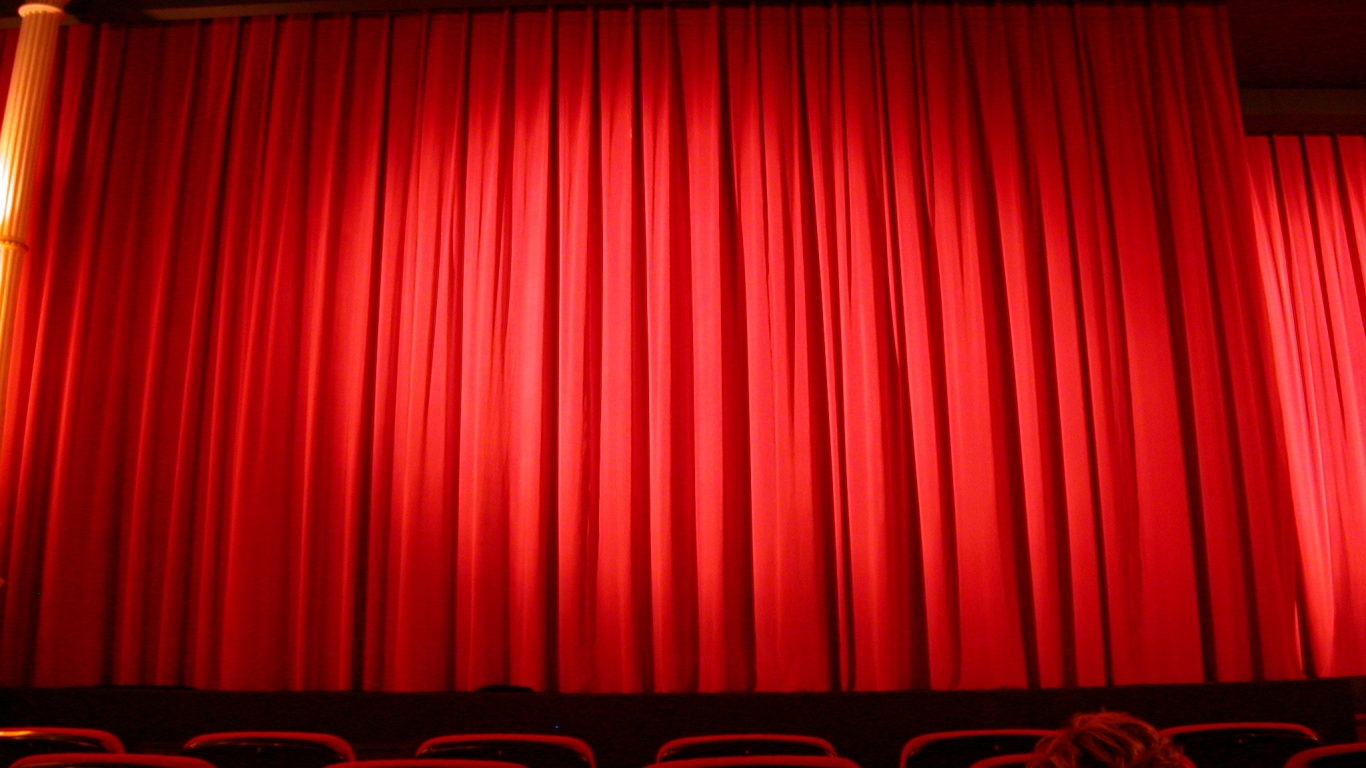 608-imageafter-photos-fabrics-cloth-theater-theatre-red-texture-1366x768