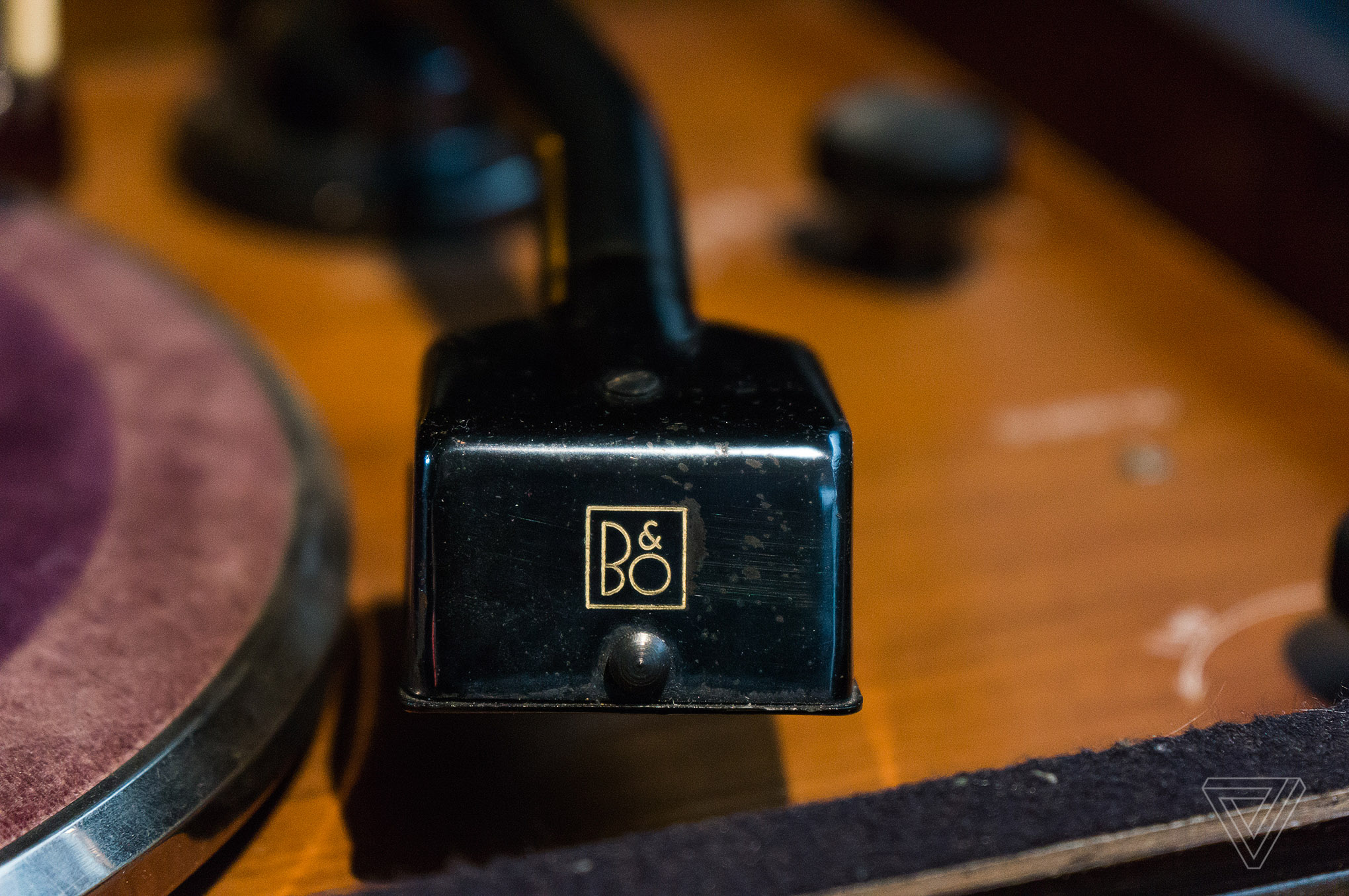 Folly of the Week – A Bang and Olufsen History Lesson